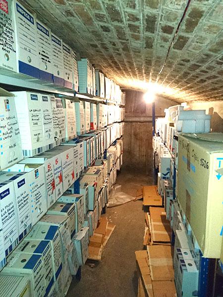 Archives dans une cave