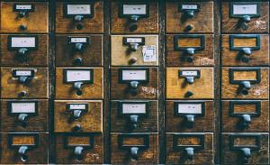 definition archiviste