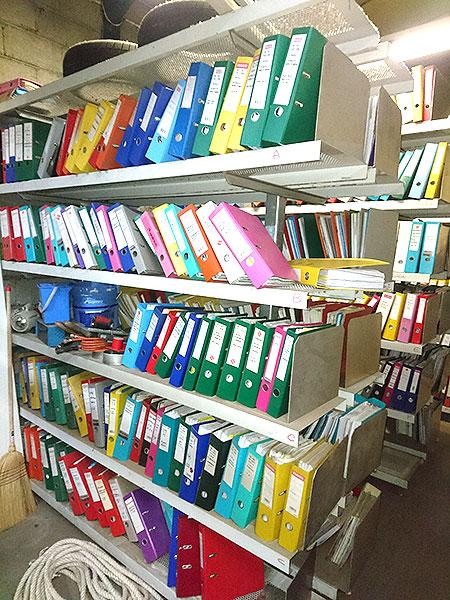 Rayonnages pour archivage de documents